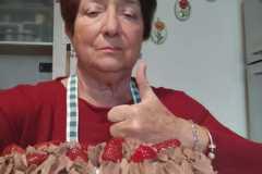 Resto a casa:  ho fatto una torta...Fatelo anche voi  ; ))