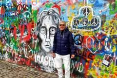 Praga muro di Lennon...restoacasa